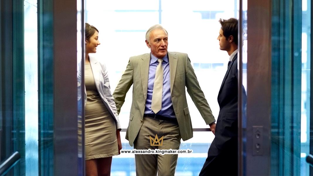 Como usar o elevator pitch para causar uma boa impressão em poucos segundos