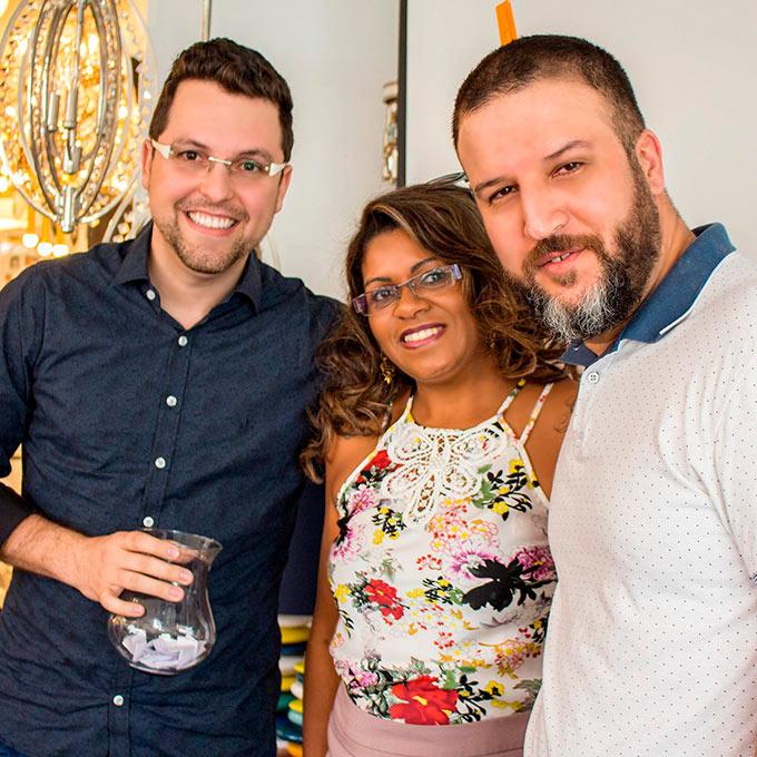 Bruno Mantovani, Sandra Bernardes e Alexsandro Kingmaker na Empório Luz Design